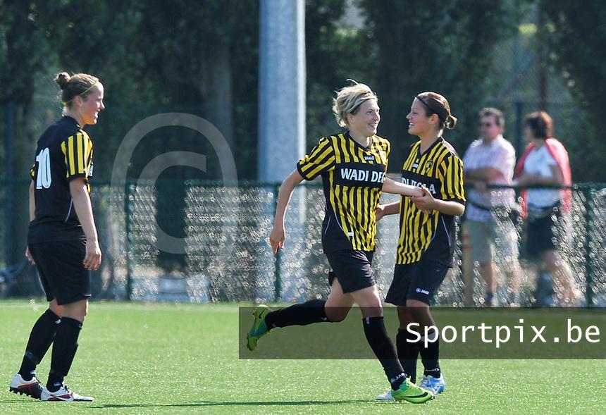 WD Lierse SK : Karen Meeus scoort de 0-1 voor Lierse.foto DAVID CATRY  / Vrouwenteam.be.