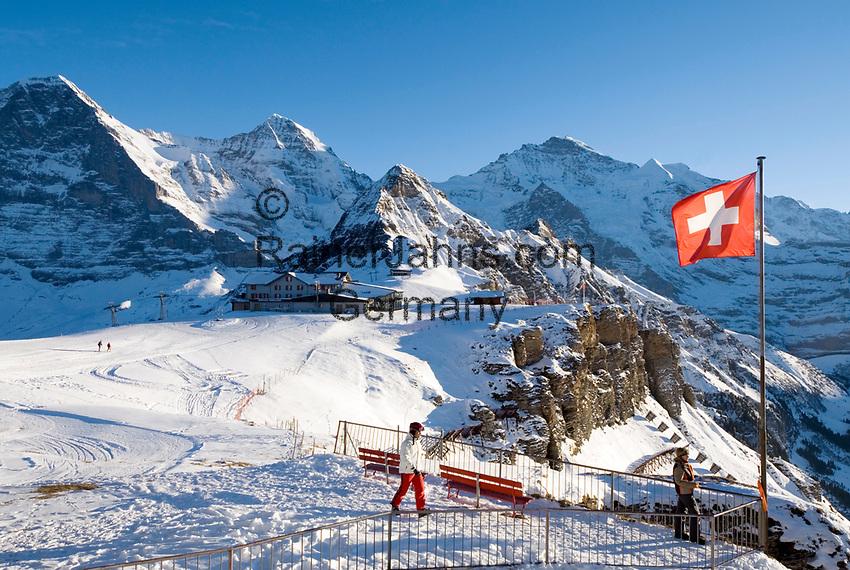 CHE, Schweiz, Kanton Bern, Berner Oberland, Grindelwald: Maennlichen Bergstation mit Eiger (3.970 m), Moench (4.107 m), Tschuggen (2.520 m), Lauberhorn (2.473 m) und Jungfrau (4.158 m) | CHE, Switzerland, Canton Bern, Bernese Oberland, Grindelwald: Maennlichen top station with Eiger (3.970 m), Moench (4.107 m), Tschuggen (2.520 m), Lauberhorn (2.473 m) + Jungfrau (4.158 m) mountains