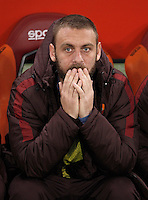 Calcio, Serie A: Roma vs Inter. Roma, stadio Olimpico, 19 marzo 2016.<br /> Roma&rsquo;s Daniele De Rossi sits on the bench during the Italian Serie A football match between Roma and FC Inter at Rome's Olympic stadium, 19 March 2016. The game ended 1-1.<br /> UPDATE IMAGES PRESS/Isabella Bonotto