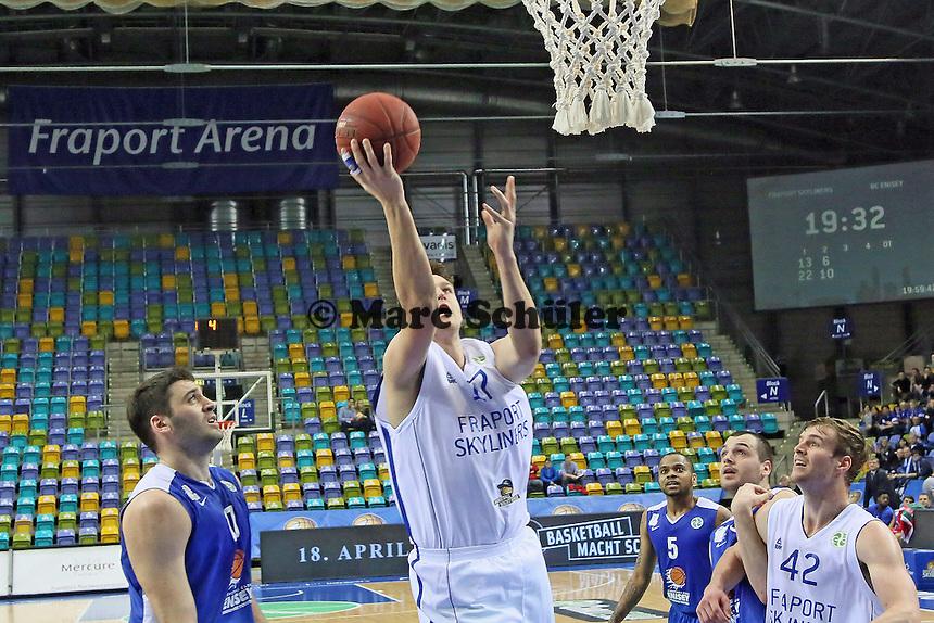 Johannes Voigtmann (Skyliners) wirft - Fraport Skyliners vs. BC Enisey, Viertelfinale EuroChallenge, Fraport Arena Frankfurt