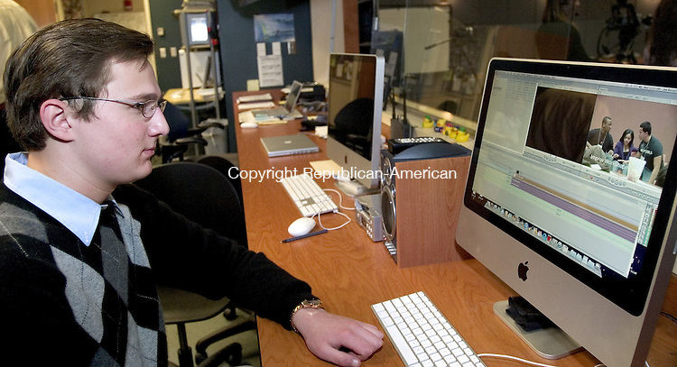 WATERBURY, CT. 18 March 2009-03189SV07--Joe Boruch, 17, works on a video project in the control room of the video studio at Waterbury Arts Magnet School in Waterbury Wednesday.<br /> Steven Valenti Republican-American