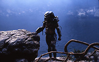 Predator (1987) <br /> Kevin Peter Hall<br /> *Filmstill - Editorial Use Only*<br /> CAP/KFS<br /> Image supplied by Capital Pictures