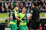 10.02.2019, Weserstadion, Bremen, GER, 1.FBL, Werder Bremen vs FC Augsburg<br /><br />DFL REGULATIONS PROHIBIT ANY USE OF PHOTOGRAPHS AS IMAGE SEQUENCES AND/OR QUASI-VIDEO.<br /><br />im Bild / picture shows<br />Kevin Möhwald / Moehwald (Werder Bremen #06), Max Kruse (Werder Bremen #10) Kapitän / mit Kapitänsbinde und Trauerflor beschwert sich / unzufrieden mit Schiedsrichterentscheidung, Manuel Gräfe / Graefe (Schiedsrichter / referee), <br /><br />Foto © nordphoto / Ewert