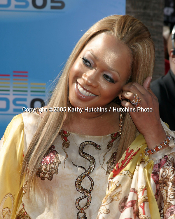 Trina_.BET Awards.Kodak Theater.Los Angeles, CA.June 28, 2005.©2005 Kathy Hutchins / Hutchins Photo....