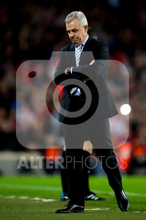 RCD Espanyol's coach Javier Aguirre gestures during La Liga 2013-2014 match against FC Barcelona. November 1, 2013. (ALTERPHOTOS/Alex Caparros)