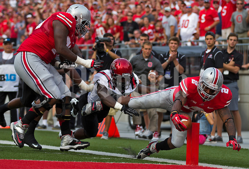 Ohio State Buckeyes running back Jordan Hall (2) drags his foot on the out of bounds line just before crossing the plane during the second quarter of the NCAA football game at Ohio Stadium in Columbus on Sept. 7, 2013. (Alex Holt / The Columbus Dispatch)