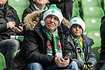 01.12.2018, Weserstadion, Bremen, GER, 1.FBL, Werder Bremen vs FC Bayern Muenchen<br /> <br /> DFL REGULATIONS PROHIBIT ANY USE OF PHOTOGRAPHS AS IMAGE SEQUENCES AND/OR QUASI-VIDEO.<br /> <br /> im Bild / picture shows<br /> Werder Fans blicken entt&auml;uscht / ungl&uuml;cklich / kritisch nach oben auf die Anzeigetafel, <br /> <br /> Foto &copy; nordphoto / Ewert