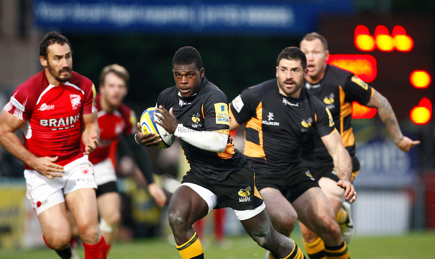 Photo: Richard Lane/Richard Lane Photography. London Wasps v London Welsh. 28/10/2012. Wasps' Christian Wade breaks for a try.