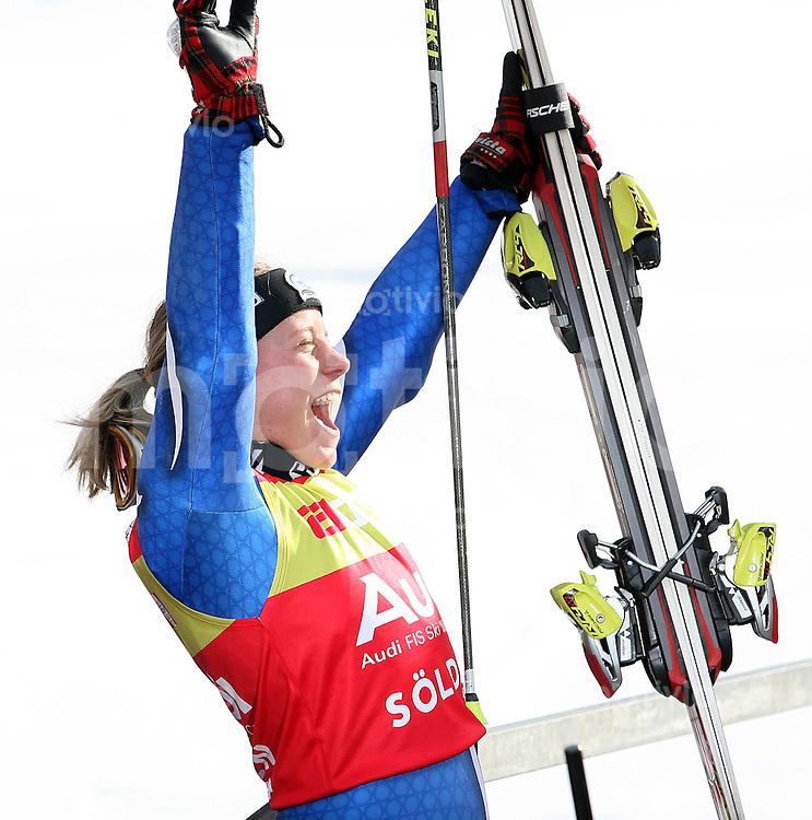 Ski Alpin; Saison 2006/2007  Riesenslalom Soelden Damen JUBEL; Siegerin Denise Karbon (ITA)
