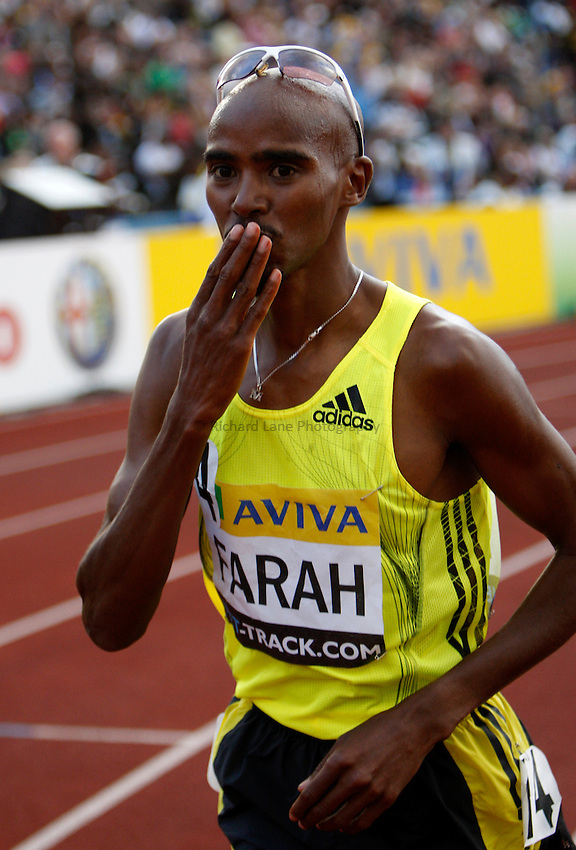 Photo: Richard Lane/Richard Lane Photography..Aviva London Grand Prix. 24/07/2009. Great Britain's Mo Farah celebrates winning the men's 5000m.
