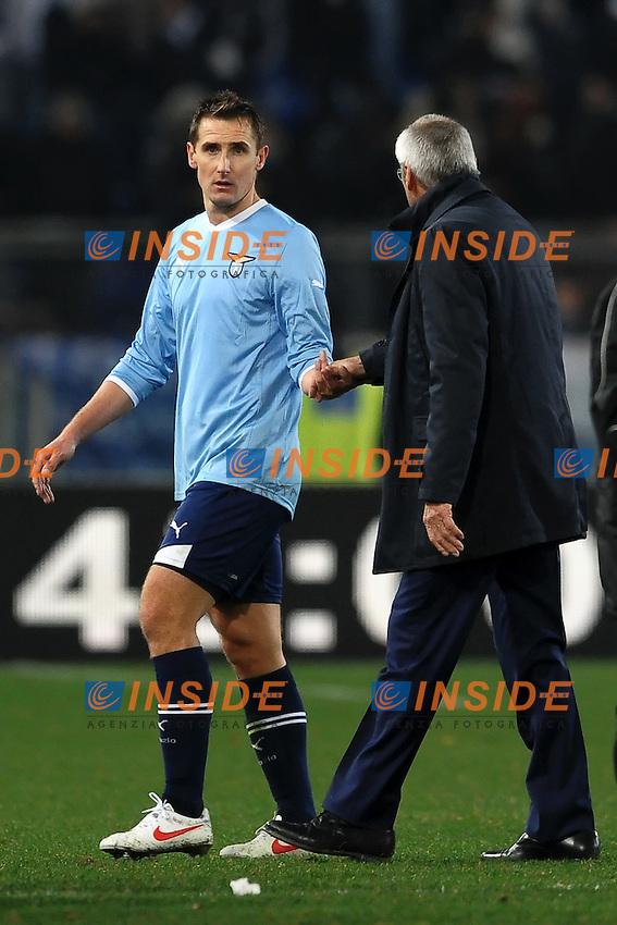 """Miroslav Klose e Edy Reja Lazio.Roma 18/12/2011 Stadio """"Olimpico"""".Football Calcio 2011/2012 Serie A.Lazio Vs Udinese 2-2.Foto Insidefoto Andrea Staccioli"""