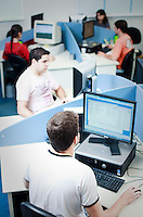Uberlandia_MG, Brasil...Industria de TI (Tecnologia da Informacao) e engenharia de software da cidade de Uberlandia, Minas Gerais. A empresa desenvolve softwares especializados para rodar em celulares e smartphones...The Industry TI (Information Technology) and software engineering in  Uberlandia, Minas Gerais. The company develops specialized software to for cell phones and smartphones...Foto: BRUNO MAGALHAES / NITRO