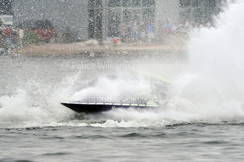 "13-14 June, 2009, APBA Inboards, Walled Lake, Novi, MI. USA.E-6 ""Quantum Leap"", 5 Litre hydroplane.©F. Peirce Williams 2009 USA.F.Peirce Williams.photography.ref: RAW (.NEF) File Available"