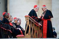 Cardinali in Piazza San Pietro in attesa dell'arrivo di Papa Francesco. Cardinals attend a prayer in Saint Peter Square.