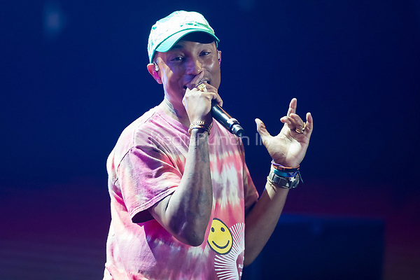 06th July 2017 - Pharrell Williams performs at Global Citizen Festival 2017 at Barclaycard Arena in Hamburg, Germany. | Verwendung weltweit/picture alliance /MediaPunch ***FOR USA ONLY***