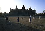 Paesaggi del mondo. La moschea di Djennè in Mali.