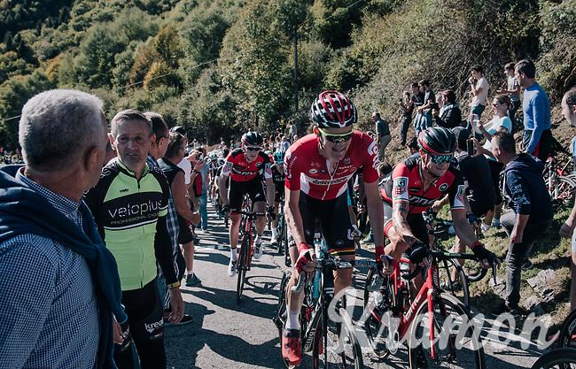 Tim Wellens (BEL/Lotto-Soudal) & Nicholas Roche (IRE/BMC) side by side up the infamous Muro di Sormano (avg 17%/max 25%)<br /> <br /> Il Lombardia 2017<br /> Bergamo to Como (ITA) 247km
