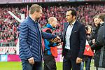 10.03.2018, Allianz Arena, Muenchen, GER, 1.FBL,  FC Bayern Muenchen vs. Hamburger SV, im Bild Bernd Hollerbach (Trainer HSV) mit Hasan Salihamidzic (Sportdirektor FCB) <br /> <br />  Foto &copy; nordphoto / Straubmeier