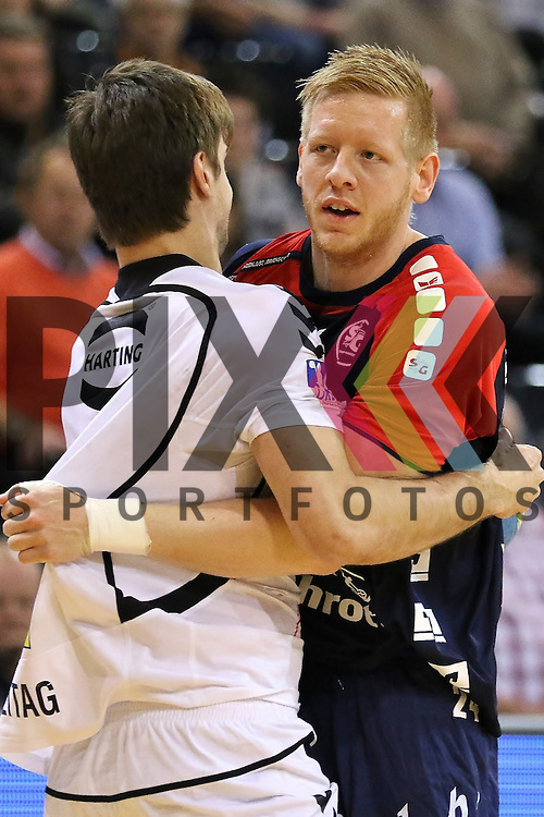 Flensburg, 05.04.2015, Sport, Handball, DKB Handball Bundesliga, Saison 2014/2015, GWD Minden - SG Flensburg-Handewitt : Florian Freitag (GWD Minden, #2), Jim Gottfridsson (SG Flensburg-Handewitt, #24)<br /> <br /> Foto &copy; P-I-X.org *** Foto ist honorarpflichtig! *** Auf Anfrage in hoeherer Qualitaet/Aufloesung. Belegexemplar erbeten. Veroeffentlichung ausschliesslich fuer journalistisch-publizistische Zwecke. For editorial use only.