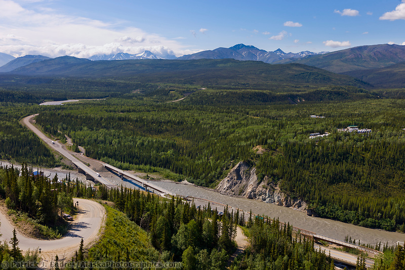 Nenana river and the George Parks highway at the entrance to Denali National Park, Interior, Alaska.