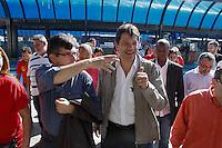 2012.07.26 -CAMPANHA ELEITORAL - FERNANDO HADDAD - O candidato Fernando Haddad faz campanha eleitoral na tarde desta quinta-feira (26), na região central de São Paulo. O candidato realizou um percurso de onibus até o terminal Capelinha.(Fotos: Amauri Nehn/Brazil Photo Press)