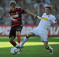 FUSSBALL   1. BUNDESLIGA  SAISON 2011/2012   8. Spieltag   01.10.2011 SC Freiburg - Borussia Moenchengladbach         Marco Reus (re, Borussia Moenchengladbach) gegen Anton Putsila (li, SC Freiburg)