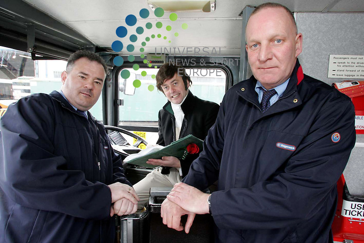 Burns impersonator Donald Kay delivers renditions of poems to Stagecoach bus drivers as the 2009 Burns An' A' That festival line-up is revealed. <br /> Picture: Universal News and Sport 6/4/09 <br />  With bus drivers Robert Ward &amp; Kevin Lyle.