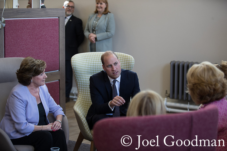 © Joel Goodman - 07973 332324 - all rights reserved . NO ONWARD SALE OR SYNDICATION PERMITTED - ONLY FOR USE IN REPORTING THE LIVE STORY TO WHICH THE PHOTOGRAPH IS RELATED . 14/09/2017 . Liverpool , UK . The Duke of Cambridge , Prince William , meets service users from the Women's Addiction Group Support ( WAGS ) group during a visit to Life Rooms in Walton . Life Rooms provides community support to help people recover from mental health issues . Photo credit : Joel Goodman