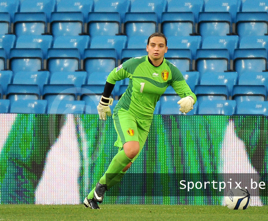 20130925 - OSLO , NORWAY : Belgian goalkeeper Nicky Evrard pictured during the female soccer match between Norway and Belgium , on the second matchday in group 5 of the UEFA qualifying round to the FIFA Women World Cup in Canada 2015 at the Ullevaal Stadion , Oslo . Wednesday 25th September 2013. PHOTO DAVID CATRY