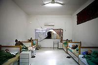 Syria, Deir az-Zor, 2013/03/22..A makeshift nursing home for the elderly in Deir az-Zor..Syrie, Deir ez-Zor, 22/03/2013.Un foyer de soins de fortune pour les personnes âgées à Deir ez-Zor..Photo: Timo Vogt / Est&Ost Photography.