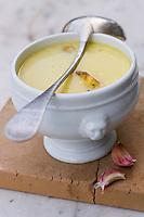 EEurope/France/Midi-Pyrénées/81/Tarn/ Lautrec:  la soupe à l'ail rose de Lautrec de Monique Lecourieu  à  la Maison  d'hôtes Caladen