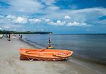 Letni wypoczynek na plaży w Sopocie