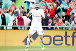 Real Madrid's Karim Benzema celebrates goal during La Liga match. April 16,2016. (ALTERPHOTOS/Acero)