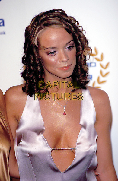 ATOMIC KITTEN - LIZ MCLARNON.Record Of The Year Award 2001.ringlets, cleavage.Ref: 11307 .www.capitalpictures.com.sales@capitalpictures.com.© Capital Pictures.