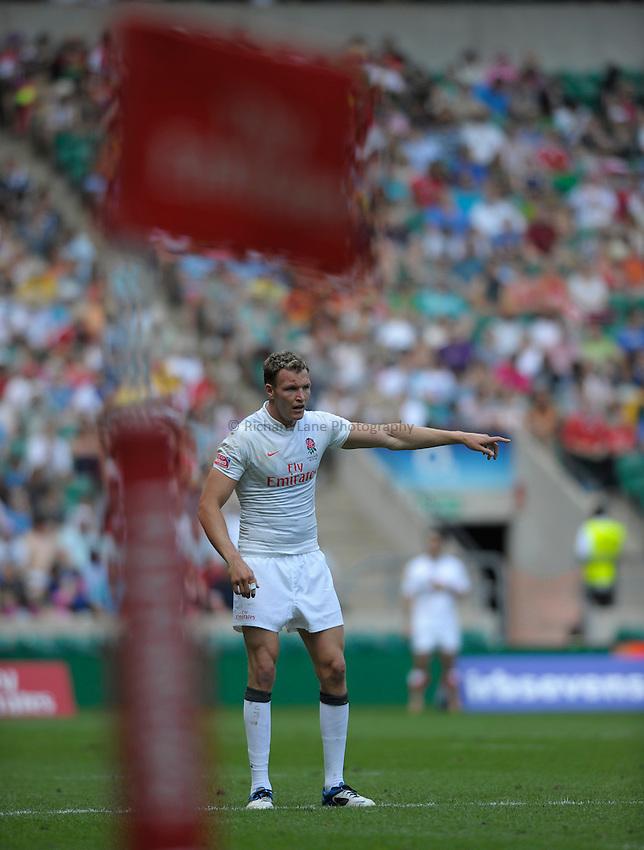 Photo: Richard Lane/Richard Lane Photography. .Emirates Airline London Sevens. 21/05/2011.  England vs USA.England's Nick Royle