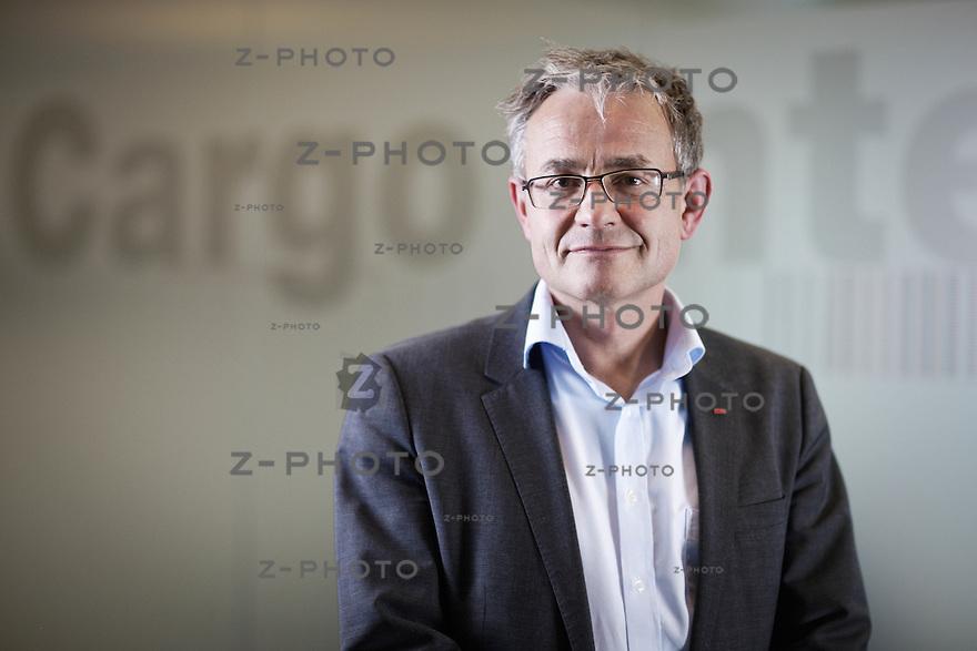 Interview und Portrait mit Nicolas Perrin Leiter von SBB Cargo International mit Sitz in Olten, Riggenbachstrasse 6 in Olten am 7. April 2014 <br /> <br /> Copyright &copy; Zvonimir Pisonic