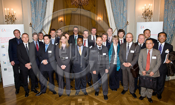 BRUSSELS - BELGIUM - 18 NOVEMBER 2009 --  IPA, International Platinum Group Metals Association meeting in Concert Nobel. -- Group photo  of participants. -- PHOTO: Juha ROININEN / EUP-IMAGES