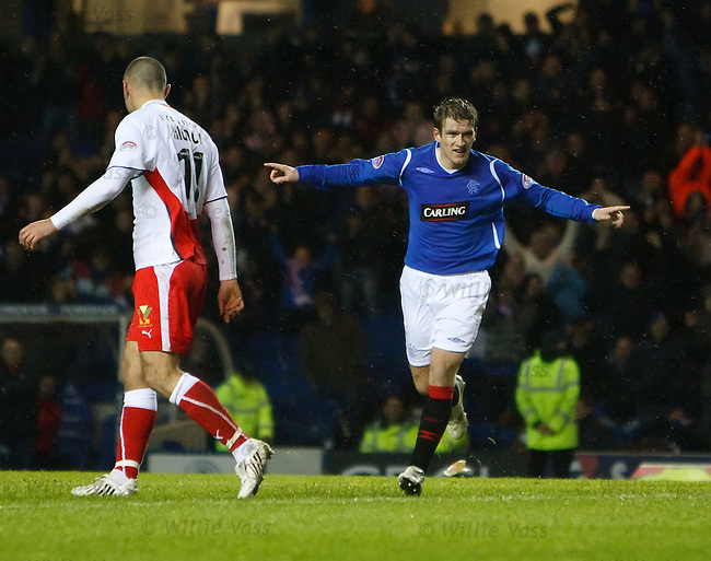 Steven Davis celebrates his goal for Rangers