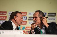 ATENCAIO EDITOR FOTO EMBARGADA PARA VEICULO INTERNACIONAL - SAO PAULO, SP, 28 DE NOVEMBRO 2012 - COLETIVA FIFA - Jose Maria Marin (e) Aldo Rebelo (d) durante coletiva da FIFA edo Comitê Organizador da Copa do Mundo (COL) na tarde desta quarta-feira, 28 na regiao norte da capital paulista. FOTO: VANESSA CARVALHO BRAZIL PHOTO PRESS.