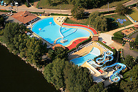 Parc aquatique sur les bords de la Dordogne..Watery park on the edges of the Dordogne.
