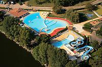 Parc aquatique sur les bords de la Dordogne..Watery park on the edges of the Dordogne.