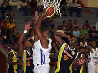 CARTAGENA -COLOMBIA, 16-03-2013.  Caribbean Heat derrotó a Bambuqueros en  partido de la décima cuarta fecha de la Liga DirecTV de baloncesto profesional colombiano disputado en la ciudad de Cartagena./ Caribbean Heat defeated to Bambuqueros  in game of the fourteenth date of the DirecTV League of professional Basketball of Colombia at artagena city. Photos: VizzorImage / CONT