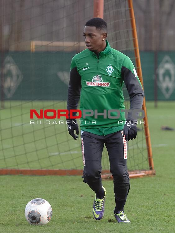 16.12.2013, Trainingsgelaende, Bremen, GER, 1.FBL, Training Werder Bremen, im Bild Eljero Elia (Bremen #11)<br /> <br /> Foto &copy; nordphoto / Frisch