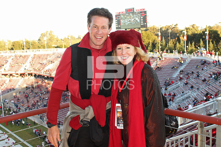 STANFORD, CA - NOVEMBER 21:  Steve Kenninger and Gail Jaquish during Stanford's 34-28 loss to the California Golden Bears in112th Big Game on November 21, 2009 at Stanford Stadium in Stanford, California.