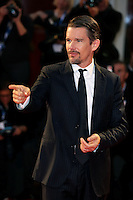 Venice, Italy - September 05: Ethan Hawke attends the 'Good Kill' premiere at Palazzo Del Cinema, during the 71st Venice Film Festival on September 05, 2014 in Venice, Italy. (Photo by Mark Cape/Inside Foto)<br /> Venezia, Italy - September 05: Ethan Hawke presente al premiere di 'Good Kill' al Palazzo Del Cinema, durante del 71st Venice Film Festival. Settembre 05, 2014 Venezia, Italia. (Photo by Mark Cape/Inside Foto)