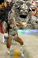 RIO DE JANEIRO, RJ, 20 DE FEVEREIRO 2012 - CARNAVAL 2012 - DESFILE UNIAO DA ILHA  - Mariana Souza durante desfile da escola de samba Uniao da Ilha no segundo dia de desfiles das Escolas de Samba do Grupo Especial do Rio de Janeiro, no sambódromo da Marques de Sapucaí, no centro da cidade.  (FOTO: VANESSA CARVALHO - BRAZIL PHOTO PRESS).