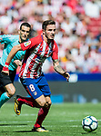 Saul Niguez Esclapez (r) of Atletico de Madrid runs past Steven N'Kemboanza Mike N'Zonzi of Sevilla FC during the La Liga 2017-18 match between Atletico de Madrid and Sevilla FC at the Wanda Metropolitano on 23 September 2017 in Madrid, Spain. Photo by Diego Gonzalez / Power Sport Images