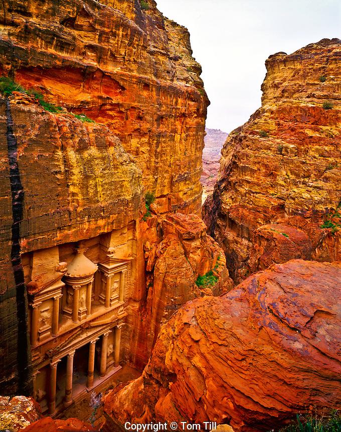 The Treasury (Al-Khazneh), Two Thousand year old Nabataean City, Petra National Park, Jordon