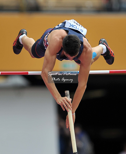 Bastien AUZEIL (FRA) in the mens decathlon pole vault. IAAF world athletics championships. London Olympic stadium. Queen Elizabeth Olympic park. Stratford. London. UK. 12/08/2017. ~ MANDATORY CREDIT Garry Bowden/SIPPA - NO UNAUTHORISED USE - +44 7837 394578