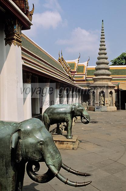 Thaïlande/Bangkok: Temple de Wat Pho ou temple du Bouddha Couché- Détail des éléphants